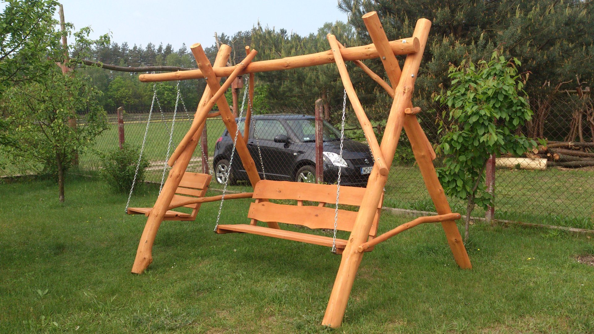 Drewniane huśtawki ogrodowe  FabrykaDrewnapl  Meble ogrodowe
